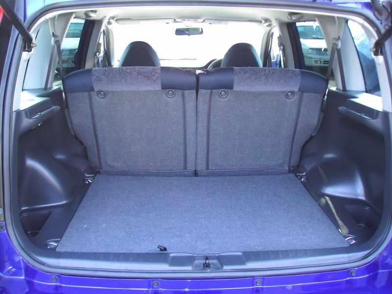 Багажник HR-V отличается